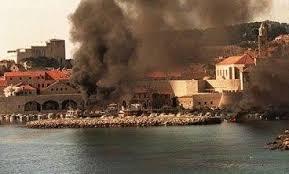 bombardeio guerra dubrovnik croácia iugoslávia