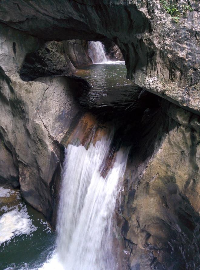 cachoeira eslovênia caverna skocjan