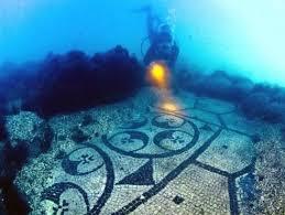 pompeia debaixo água mar ruínas mergulhar napoles