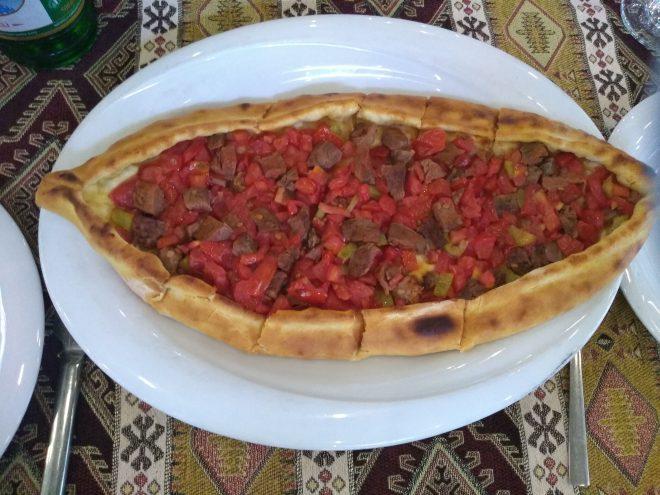 pratos típicos provar turquia pida