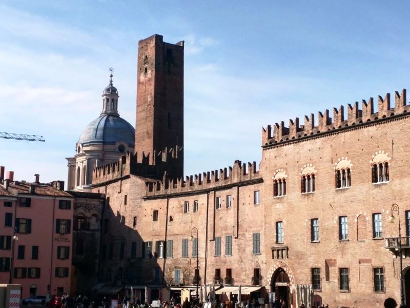 Piazza Sordello Mantua