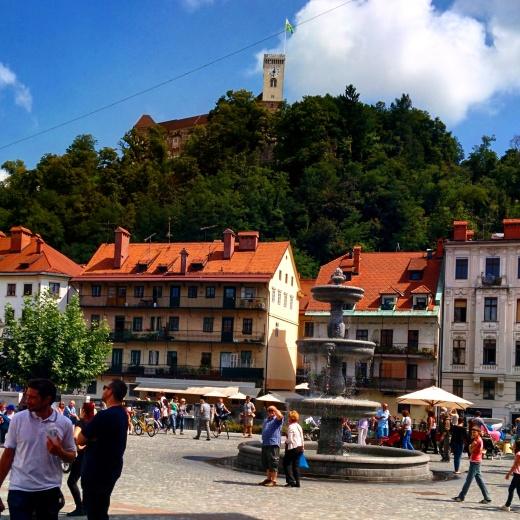 Stari Trg com Castelo