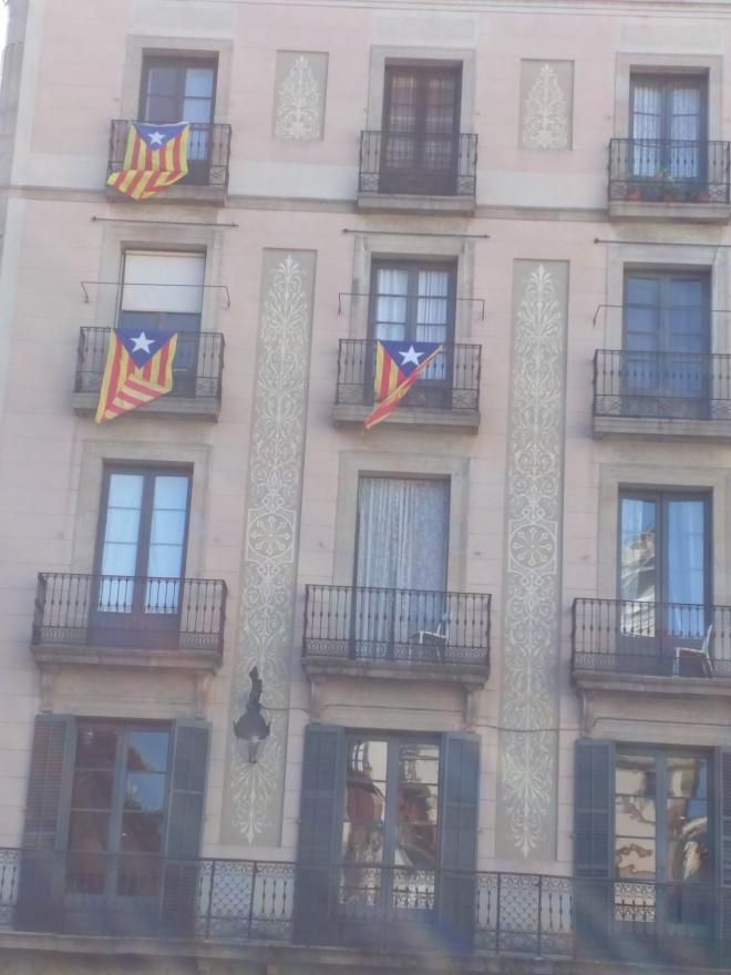 Bandeiras pela independência da Catalunha