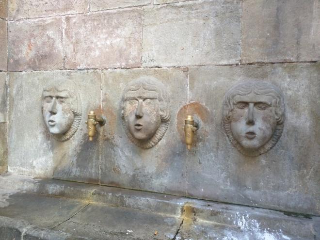 Fonte Barcelona bairro gótico