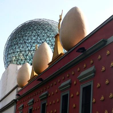 Teatro Museu Dalí telhado