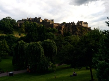 castelo-de-edimburgo-visto-do-princes-garden-2