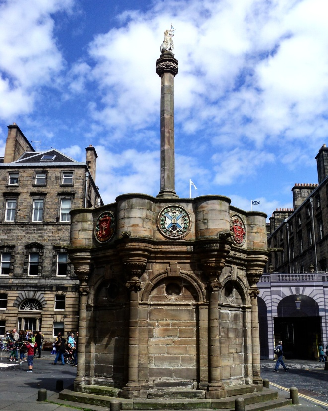 edimburgo-mercat-cross
