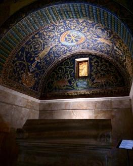 mausoleu-de-galla-placidia-ravenna-3