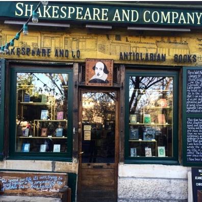 shakespeare-and-co-fachada