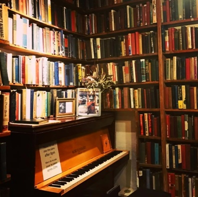 shakespeare-and-co-interior-3