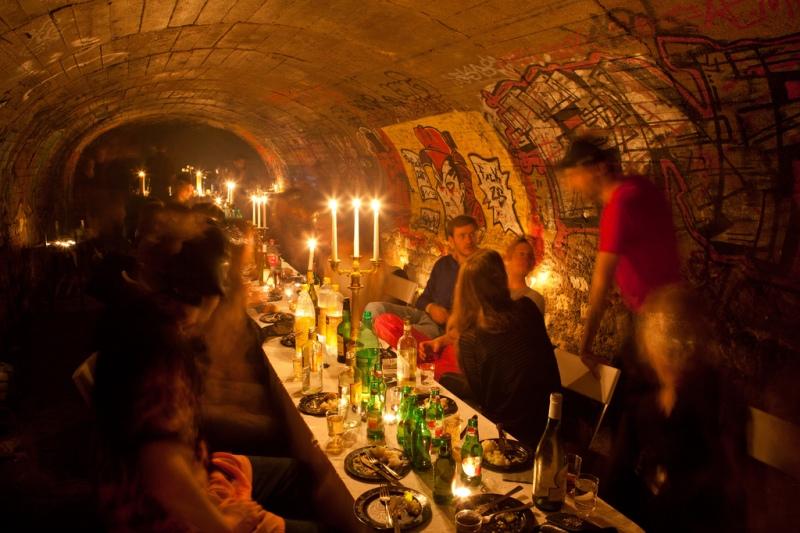 messy-nessy-jantar-nos-tuneis-secretos