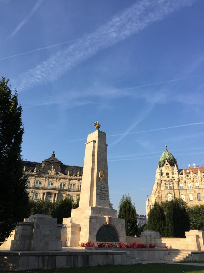 monumento-ao-libertador-sovietico-budapeste