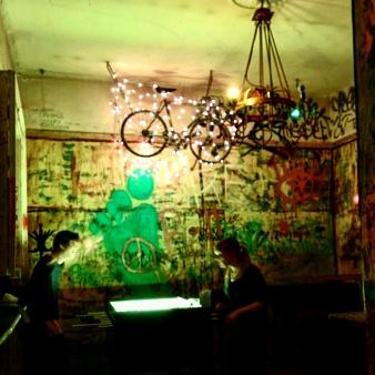 szympla-budapeste-ruin-pub-5