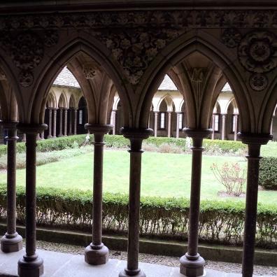 Mont Saint Michel claustro 2