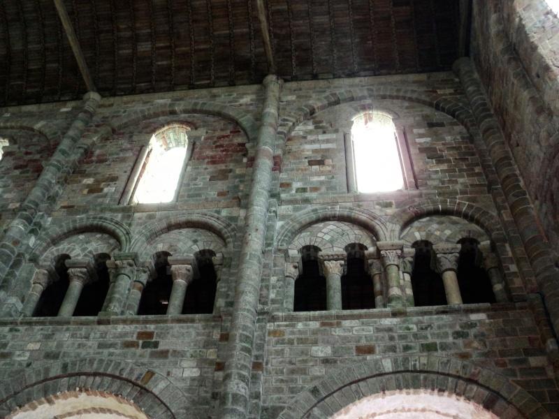 Mont Saint Michel interior igreja
