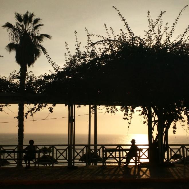 Barranco por se sol pacífico Lima