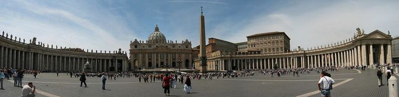 900px-Vatican_StPeter_Square