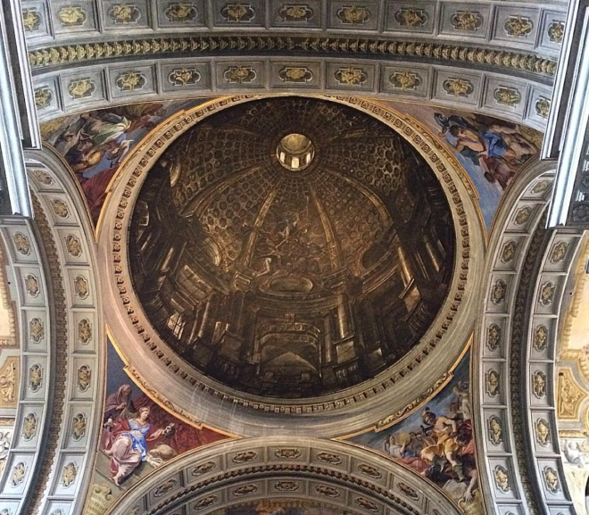 Cupula falsa Roma