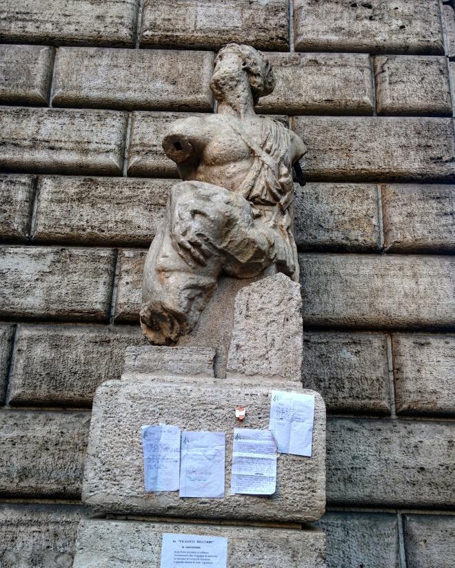 Piazza del Pasquino praças de Roma 2
