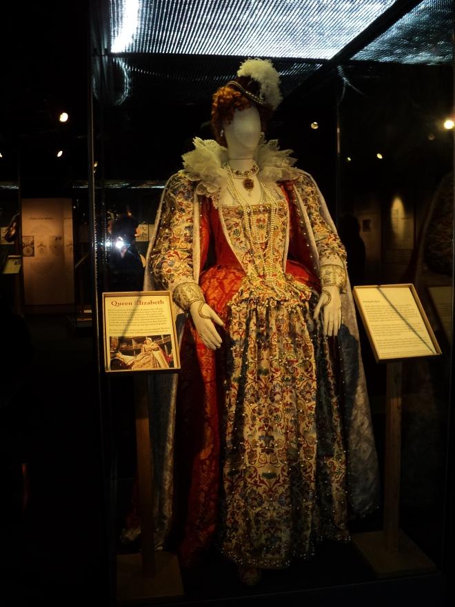 Roupas de época usadas nas peças Shakespeare's Globe 2