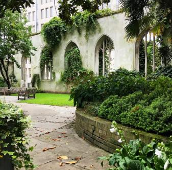St Dustan in the East Igreja Jardim bombardeada Londres 2
