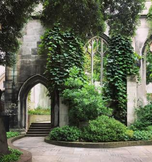 St Dustan in the East Igreja Jardim bombardeada Londres 3