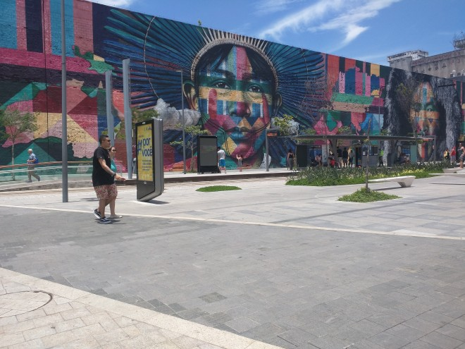 Grafites perto da Praça Mauá Rio 4
