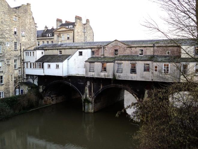 Ponte Pulteney atrás Bath