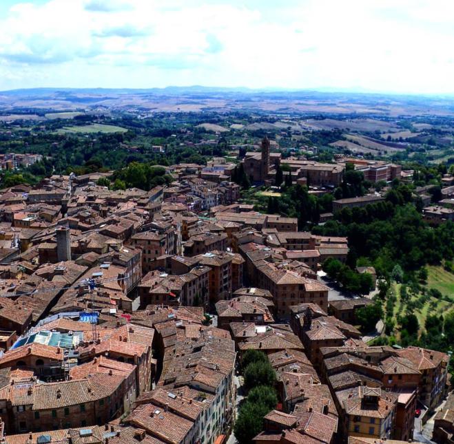 Torre del Mangia vista para a cidade Siena