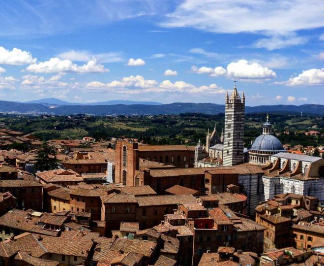 Torre del Mangia vista para o Duomo Siena