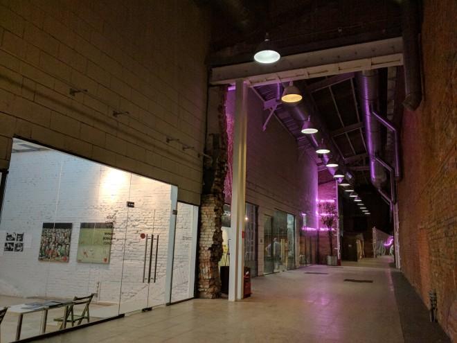 Fabricas de Moscou centros culturais vinzavod dentro das galerias