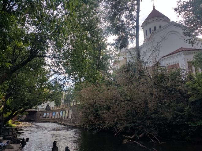 Republica de Uzupis vilnius lituania arte no rio