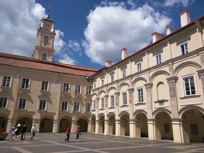 Universidade de Vilnius Lituania patio 2