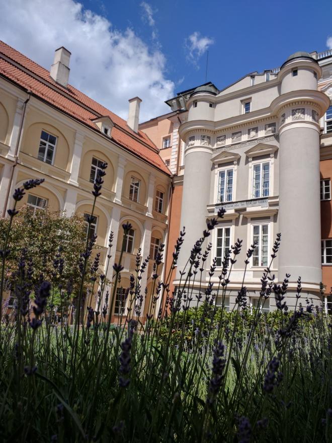 Universidade de Vilnius Lituania patio do observatorio