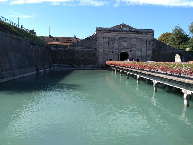 Lago de Garda Peschiera porta verona