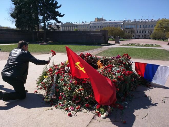Dia da vitoria Petersburgo homenagens flores