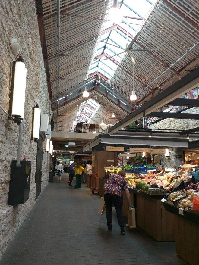 Estonia Tallinn mercado sovietico Balti Jaama Turg 1