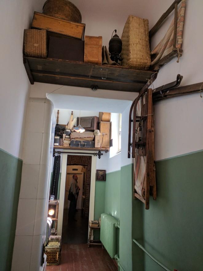 Russia Petersburgo casa fonte museu Anna Akhmatova corredor de Lev Gumiliov