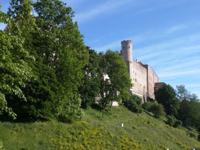Tallinn centro histórico colina Toompea castelo