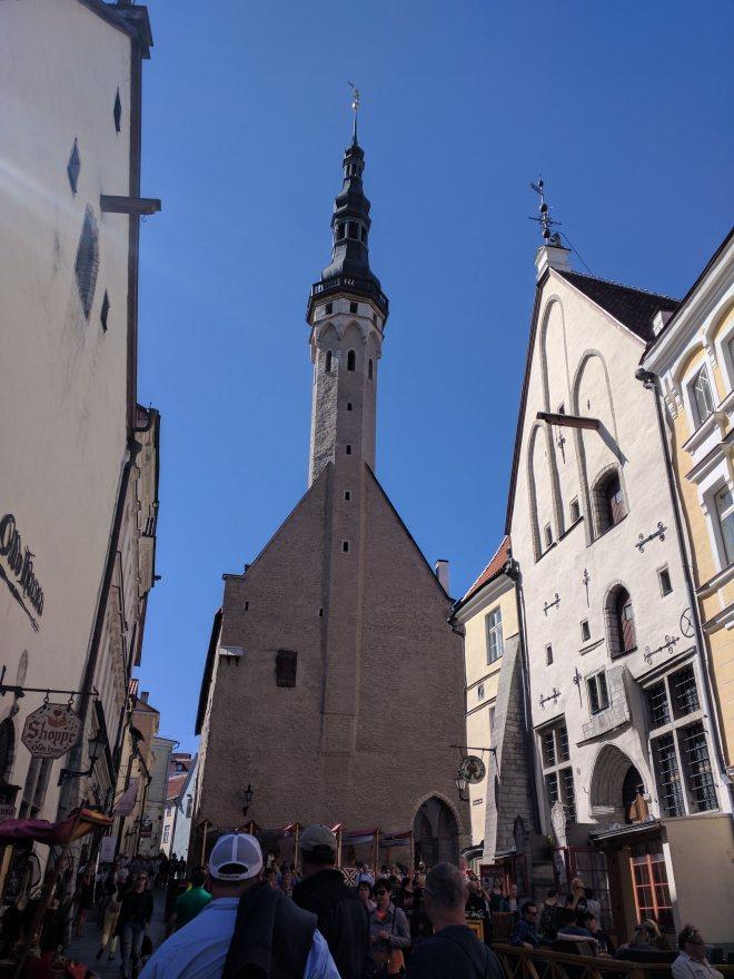 Tallinn centro historico igreja do espirito santo raekoja plats