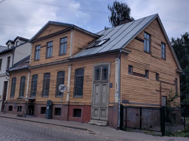 Letonia Riga Centro quieto casa tradicional madeira
