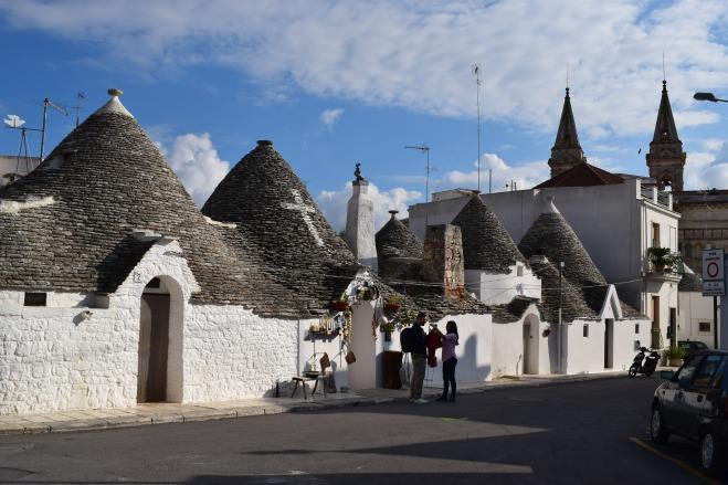 Puglia Alberobello trulli igreja de sao cosme damiao