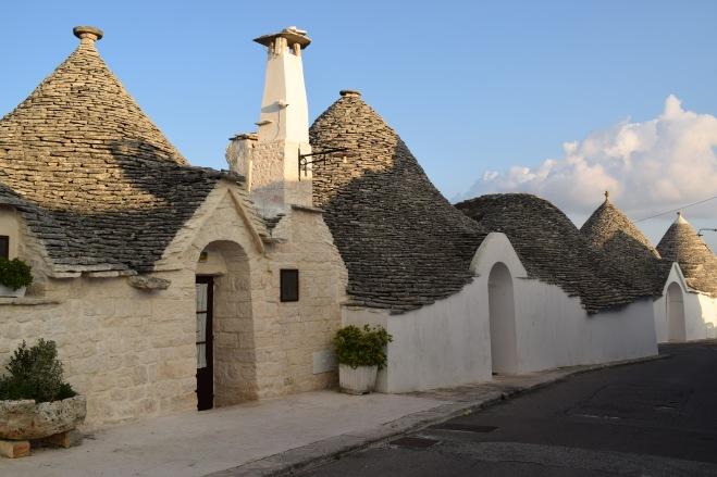 Puglia Alberobello trulli Rione Aia Piccola