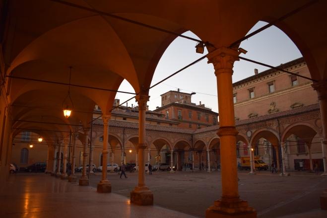 Bologna porticos Santa Maria dei Servi 5