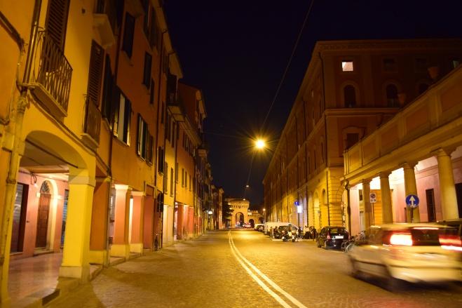 Bologna porticos via saragozza