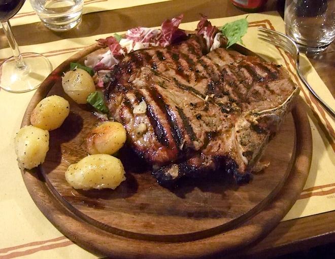 Bistecca alla fiorentina pratos tipicos toscana