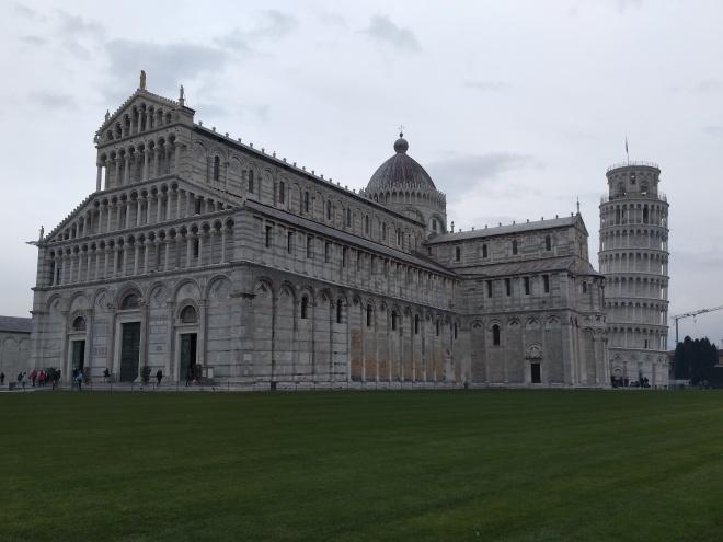 Pisa piazza miracoli praça dos milagres torre inclinada