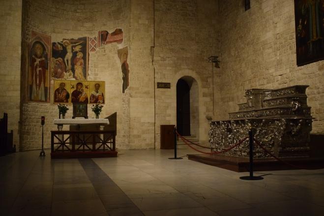 Puglia Bari Basilica San Nicola 4