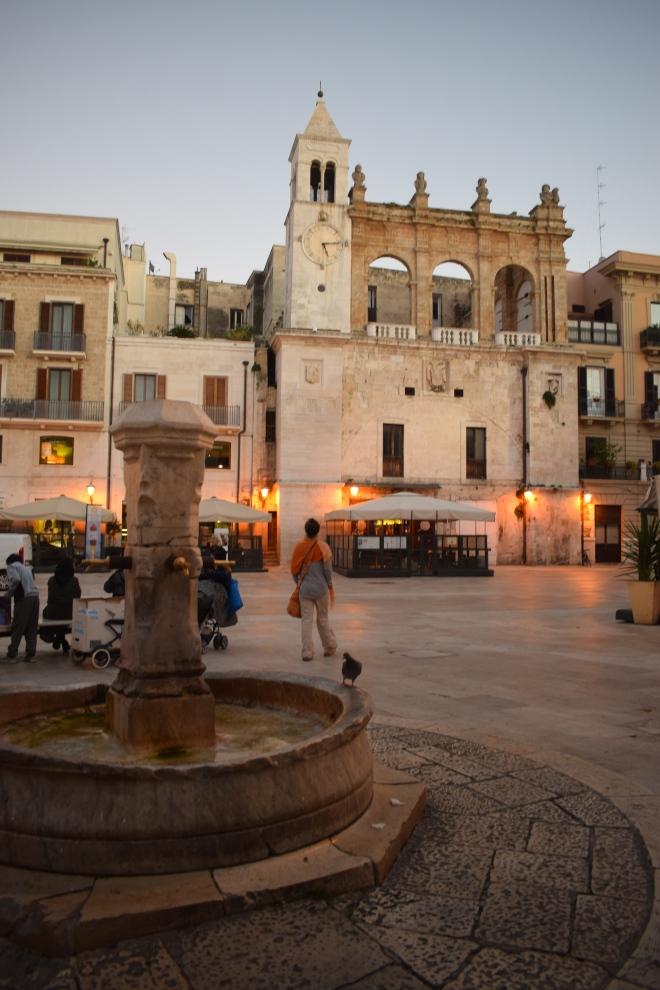 Puglia Bari piazza mercantile