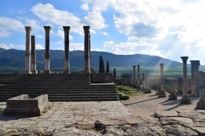 Volubilis ruinas romanas Marrocos do alto d basilica 2